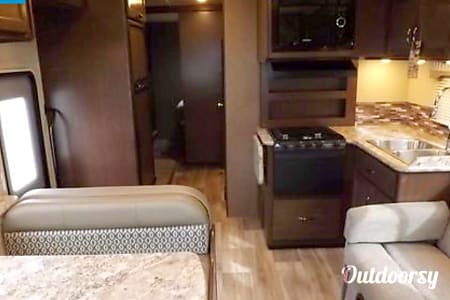 2017 Thor Motor Coach Freedom Elite  Kernersville, North Carolina