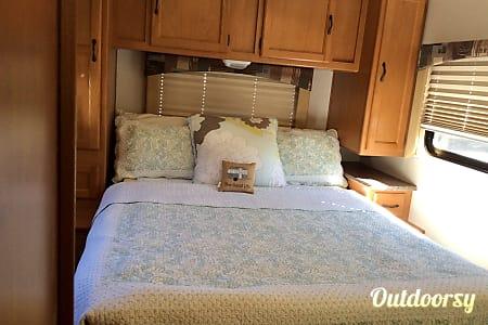 2013 Coachman Freedlander 29QB  Daleville, VA