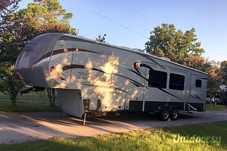02012 Dutchmen Komfort  Azle, Texas