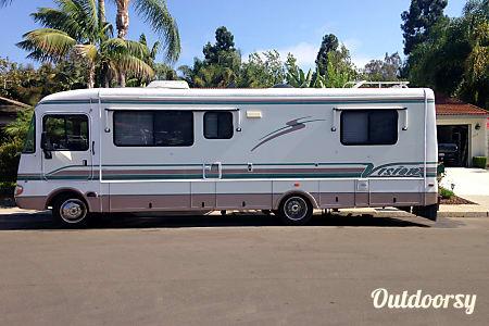 02000 Rexhall Vision V29  San Marcos, CA