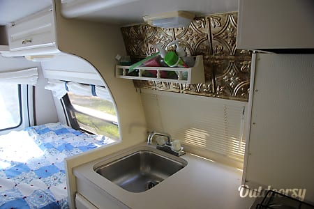 1994 Pleasure Way  Camper van- would be perfect to take to a warm location for the winter!  Bloomfield Hills, Michigan