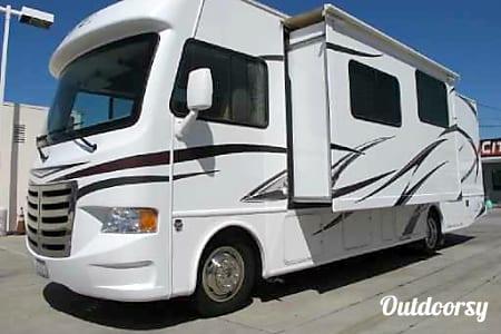 2014 Thor Motor Coach A.C.E  Glendora, California