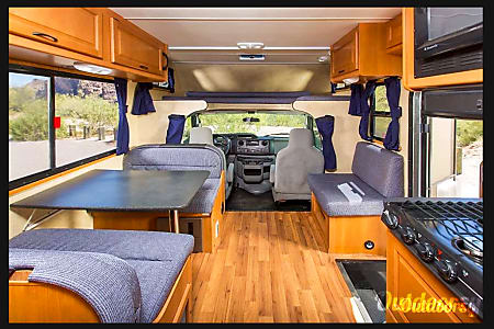 "2012 Thor ""Majestic"" RV CLEAN Motorhome! Easy to Drive! Insrunace now only $10/day!  Tampa, FL"
