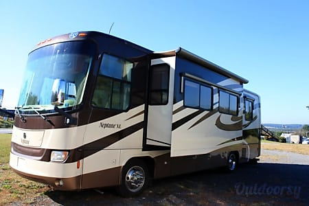 02008 Holiday Rambler Neptune 35 For Rent/Sale  Dillsburg, PA