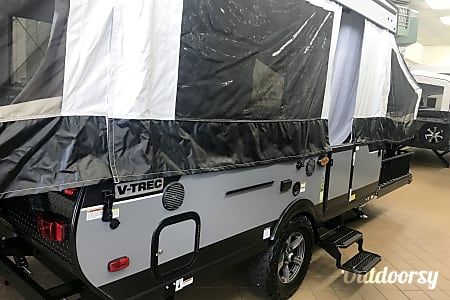 02018 Coachmen Clipper with Cargo Deck  Hagerstown, MD