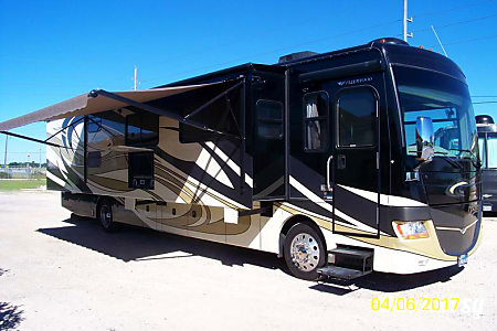Fleetwood Discovery 40G - S  Sealy, TX