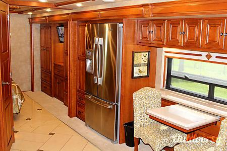 The Tour - Luxury Bus  Gibsonton, FL