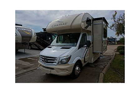 02017 Thor Motor Coach Chateau  Richmond, TX