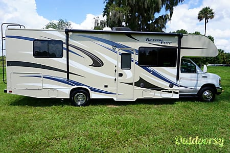 02015 Thor Motor Coach Freedom Elite  Pegram, Tennessee