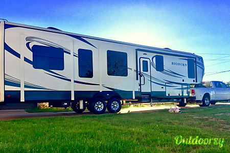 0I will Deliver!! 2018  43' Bighorn 5th wheel -  Leander, TX