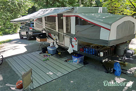 2013 Folding Travel Trailer Palomino Banshee B-3  Portland, Oregon