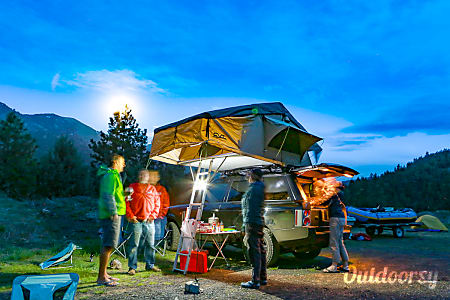 0Land Rover camper  Portland, OR