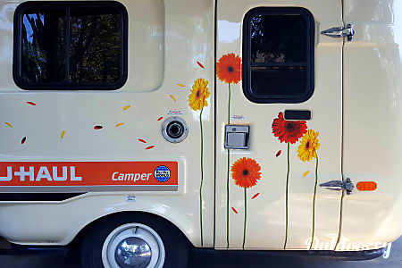 The Lazy Daisy - vintage uhaul CT13  Claremont, California