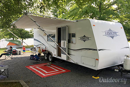 02006 Aerolite Travel Trailer  Mechanicsville, Maryland