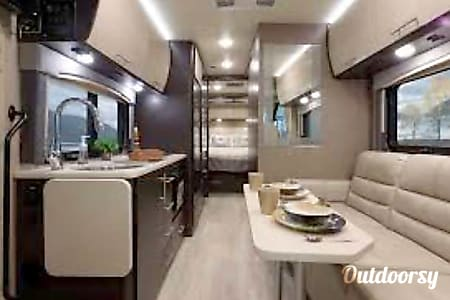02018 Thor Motor Coach Axis, Easy to drive  West Covina, CA