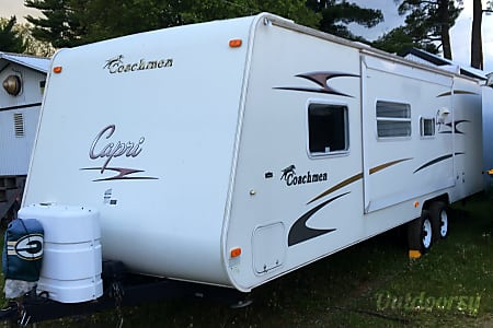 02006 Coachmen Capri  Scandinavia, Wisconsin