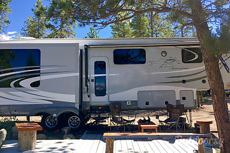 02015 Rv Camper Open Range  Black Hawk, CO
