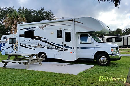 2014 Thor Motor Coach Freedom Elite  Winter Springs, Florida