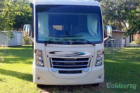 02016 Thor Motor Coach Vegas  Bradenton, FL