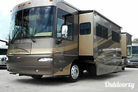 0Luxury Winnabago Journey SE Like New Diesel Pusher  Mandeville, LA