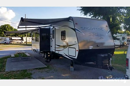 02016 Venture Rv Sporttrek  Hockley, TX