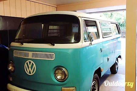 01969 Volkswagen Kombi Camper Van  Kihei, Hawaii