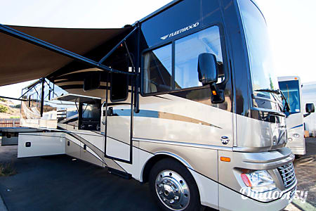 035ft Fleetwood Bounder 35K  San Diego, CA