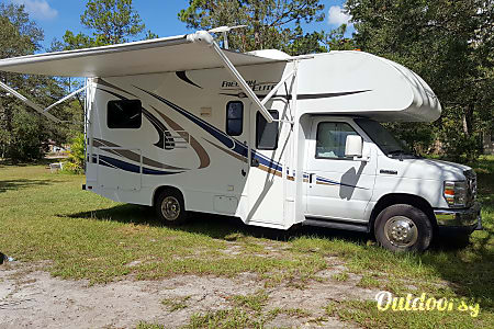 02015 Thor Motor Coach Freedom Elite  St. Augustine, Florida