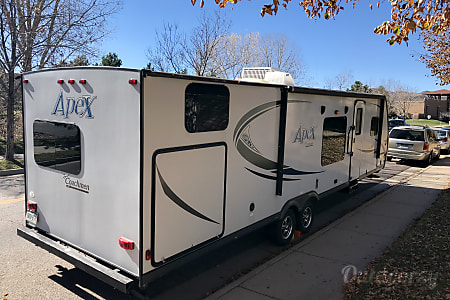 02014 Coachmen Apex  Littleton, Colorado