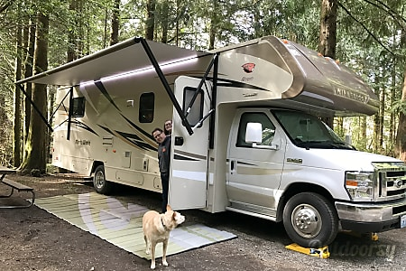 02016 Winnebago Minnie Winnie  Allyn Grapeview, WA