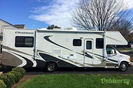 02005 Thor Motor Coach Chateau  Southampton, PA