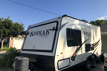 02016 Dutchmen Kodiak 186E  San Diego, CA