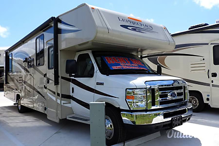 02018 Coachmen Leprechaun 319MB  Palm Bay, FL