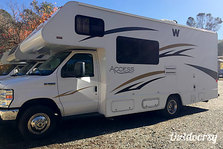 024' Winnebago Access  Oakhurst, CA