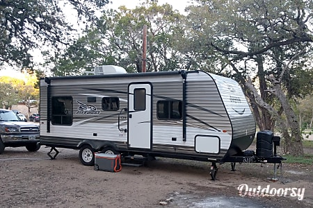 0SS Louise: All the comforts of home with this 2017 Jayco Jay Flight  Austin, Texas