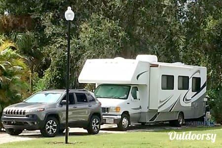 02005 Thor Motor Coach Four Winds  Punta Gorda, FL