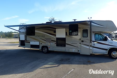 02018 Coachmen Leprechaun 319MB  Ormond Beach, FL