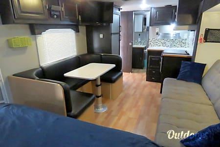 0Custom 23' Travel Trailer  Lake Havasu City, AZ