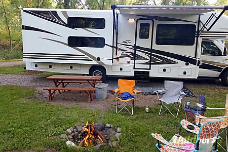 02018 Jayco Envoy 31' Class C W/Bunks 505 RV Rentals New Mexico #ABQRV  Rio Rancho, NM