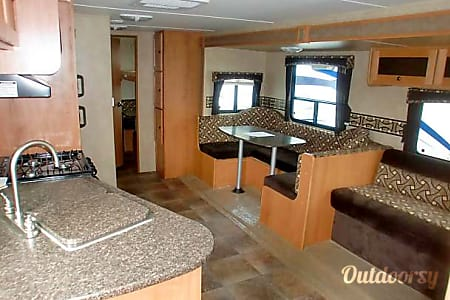 02013 Cruiser Rv Corp Shadow Cruiser  Rancho Cucamonga, CA