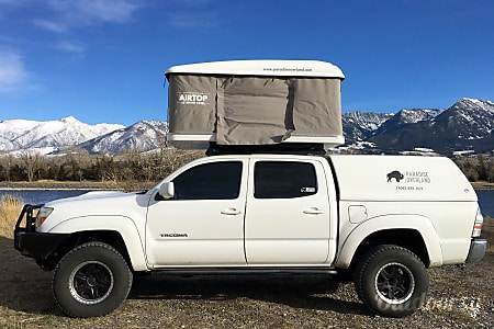 0Toyota Tacoma with Roof Top Tent  Livingston, MT