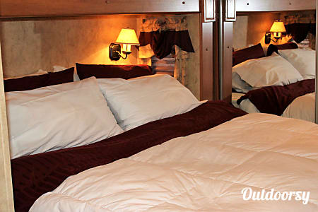 0By Delivery:  Luxury Guest House on Wheels  Puyallup, Washington