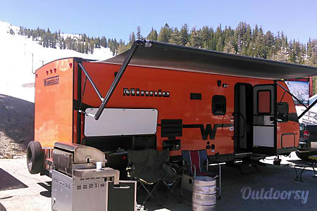 02015 Winnebago Minnie Winnie  Mammoth Lakes, CA