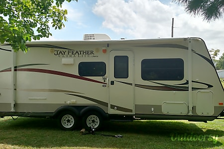 02013 Jayco Jay Feather Ultra Lite  Hinckley, OH