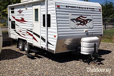 02009 Sportmaster 19 Weekly Rate/Delivery/U-Tow/Delivery/Pet Friendly  Enderby, BC