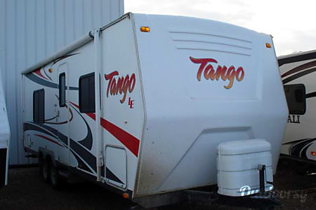 02010 Tango 26 Weekly Rate/Delivery/Pet Friendly  Enderby, BC