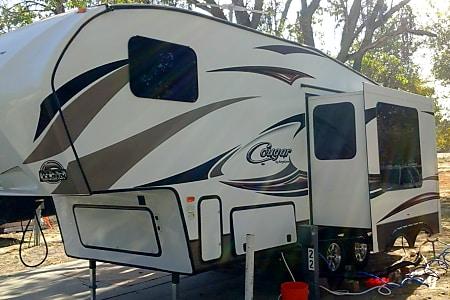 02015 Keystone Cougar Half-Ton  Santa Margarita, CA