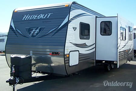 02014 Hideout 28BHS WE/Delivery/Weekly Rate  Enderby, BC