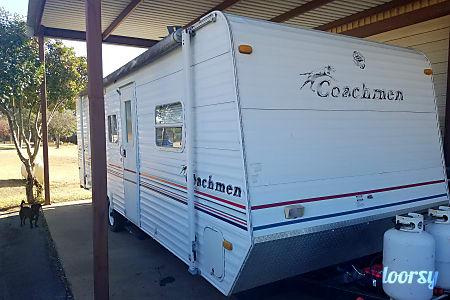 02005 Coachmen Bunkhouse  Hudson Oaks, Texas