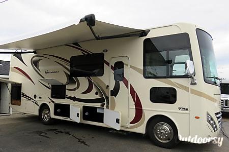 02018 Thor Motor Coach Hurricane 29M(2) - Lorelie  Spokane Valley, WA